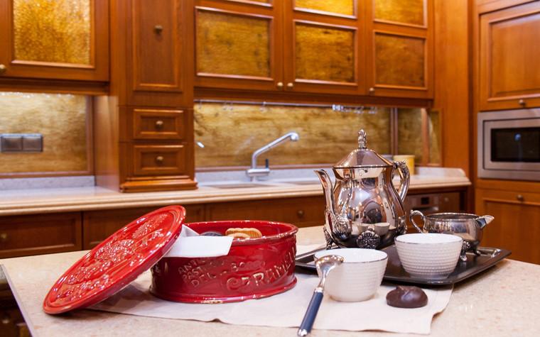 Фото № 70054 кухня  Загородный дом