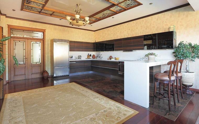 Фото № 70210 кухня  Загородный дом