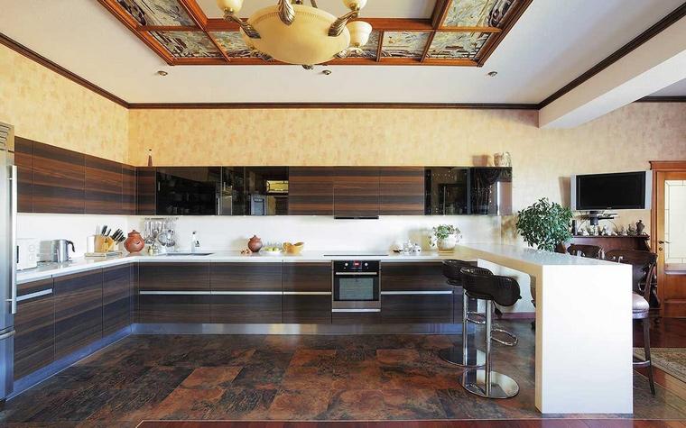 Фото № 70211 кухня  Загородный дом
