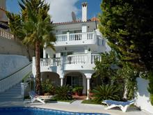 Загородный дом «Архитектура дома и дизайн интерьера виллы в Испании», бассейн  . Фото № 25843, автор Старых Станислав