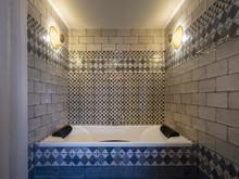 Загородный дом «Вилла в Бланесе», ванная . Фото № 30405, автор Абрамкин Андрей