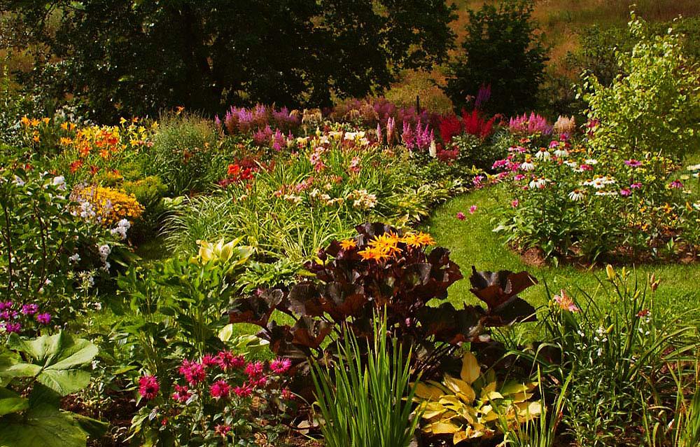 Загородный дом «», цветник, фото из проекта