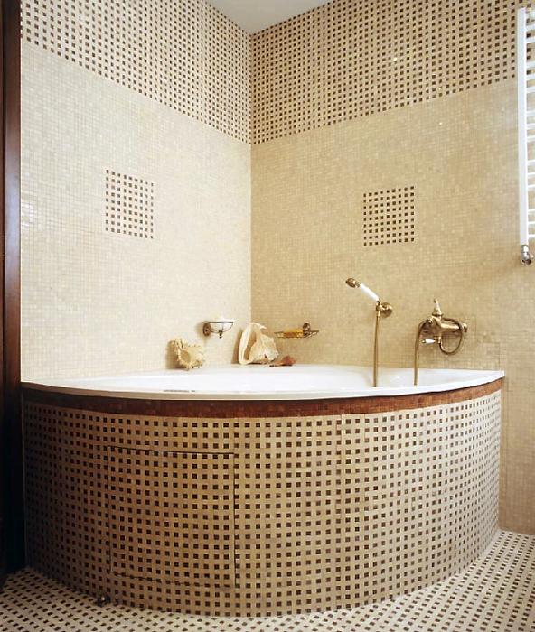 <p>Автор проекта: Гусева Наталия, КвARTa-eco<br /> Фотограф: Шевченко Андрей</p> <p>Мозаика в ванной комнате - традиция со времен Римской империи.</p>