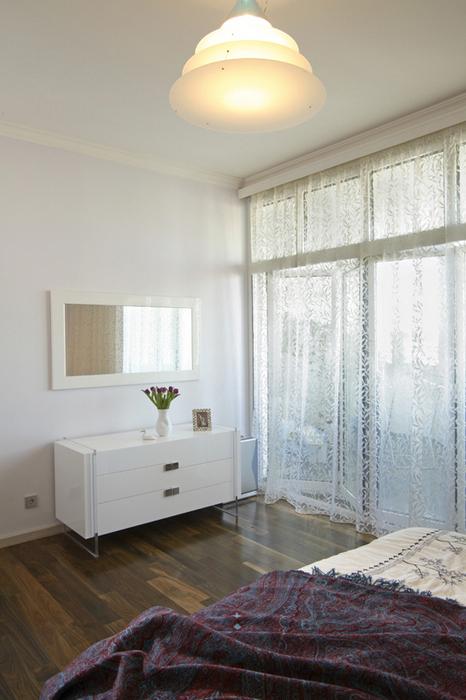 Картины в интерьере спальни