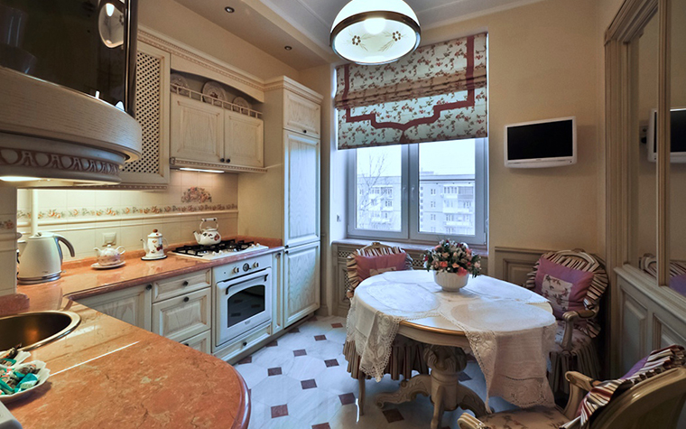 <p>Авторы проекта: Светлана Кудрявцева, Олег Лихачев.</p> <p>В этой кухне-гостиной есть все, даже большое зеркало, еще больше увеличивающее пространство опенспейса.</p>