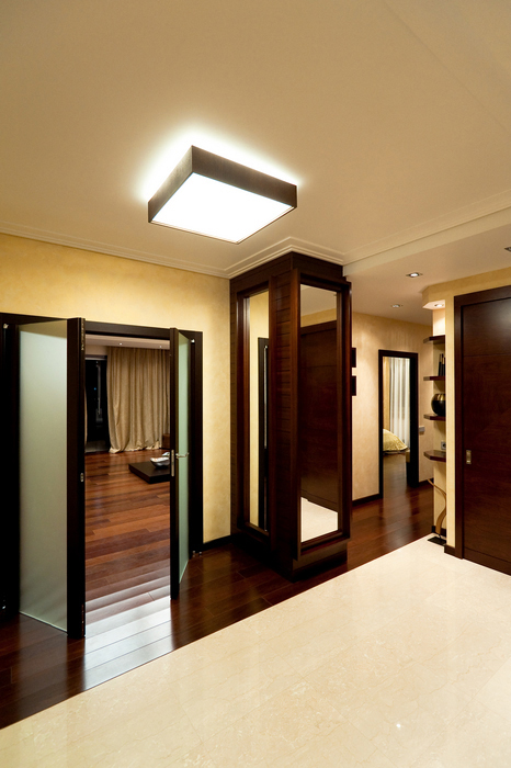 Фото освещения прихожей и коридора. Варианты.