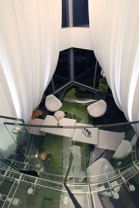 Аквариум в интерьере гостиной