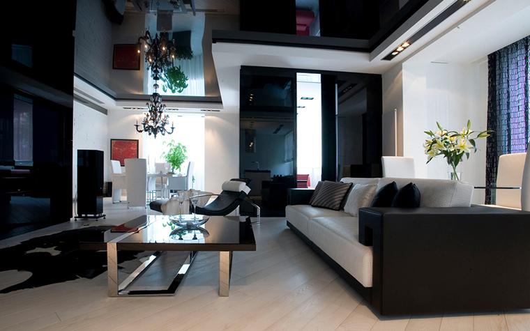 <p>Автор проекта: архитектурная мастерская RENOVATIO.&nbsp;</p> <p>Пространство современного интерьера может быть и двухъярусным. </p>