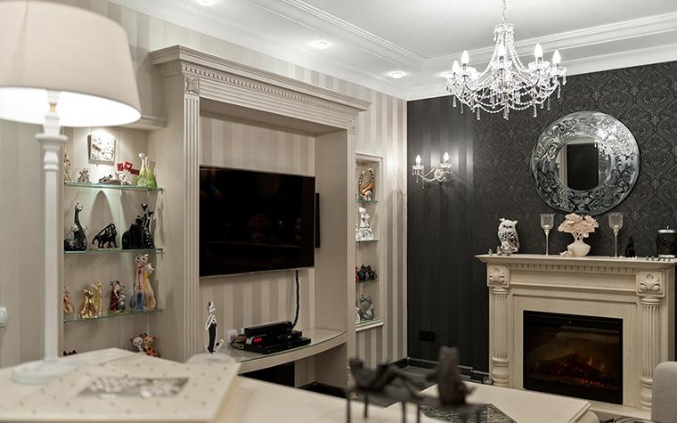 <p>Автор проекта: Алена Чашкина.</p> <p>Если в гостиной имеется камин, то каминная <a href=http://www.360.ru/catalog/mebel/mebel-dlya-khraneniya/polki-nastennye/>полка</a> обязательно заполняется любимыми статуэтками. Но если в доме хранится коллекция, то часто для нее ищут специальные места, например, создают настенные ниши, где можно выставить коллекцию целиком.</p>