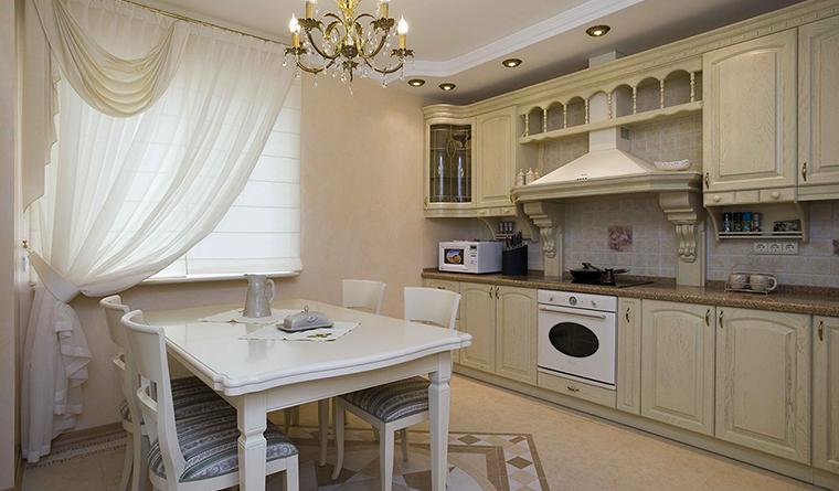 <p>Автор проекта: S-Studio</p> <p>Размеры этой кухни не слишком велики, и декора не так уж много. Но геометрические формы мебели, простая структура самой кухни и светло-бежевая палитра делают ее совершенно классической по стилю.</p>