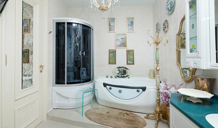 <p>Фотограф: Дмитрий Егоров Дмитрий</p> <p>Ванная комната с джакузи превращена в домашнюю галерею. Тоже вариант!</p>