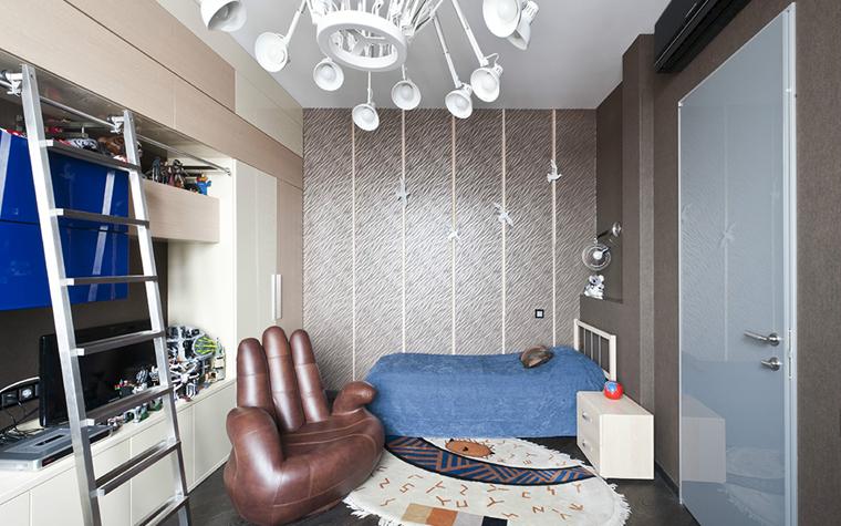 <p>Автор проекта: Лада Лунева.</p> <p>Интерьер комнаты мальчика-подростка - лучшее место для эпатажного и остроумного кресла Finger&nbsp; от итальянской фабрики Bellona.</p>
