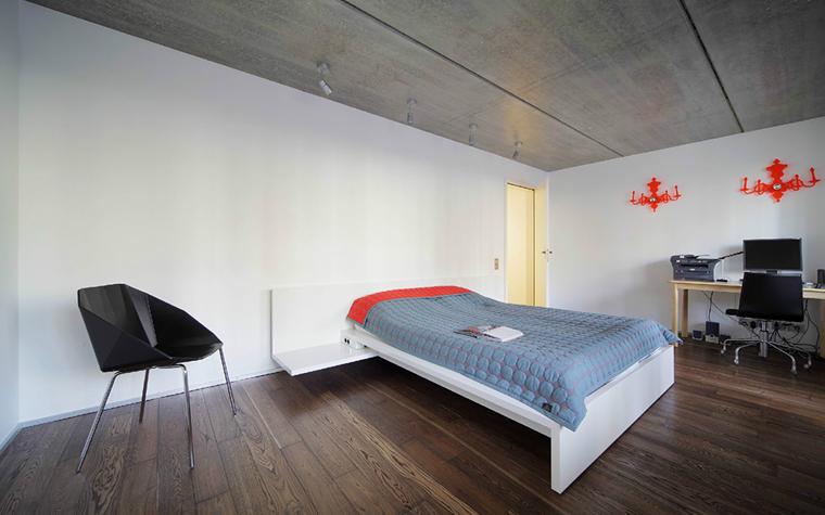 интерьер спальни - фото № 33237