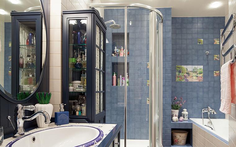 <p>Автор проекта: K-studio Interior Design<br /> Фотограф: Хроленок Андрей</p> <p>Голубой с серым - это хороший фон для любой интерьерной композиции.</p>