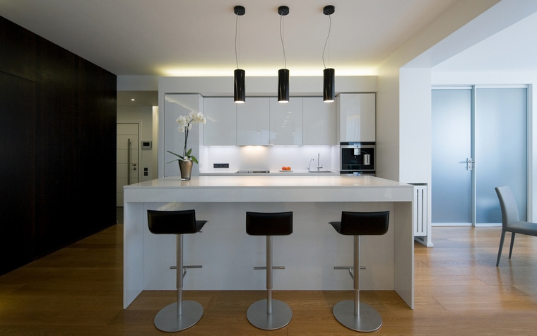 Дизайн интерьера кухни, совмещённой с балконом