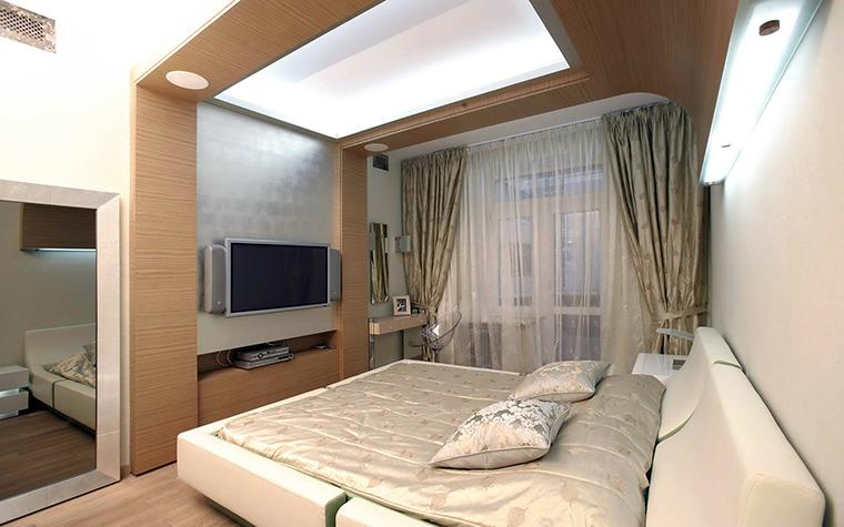 <p>Автор проекта:   FULLHOUSEDESIGN</p> <p>Штукатурка и дерево - хорошее, спокойное сочетание для декора стен в спальне. </p>