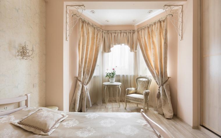 <p>Автор проекта: Марина Саркисян</p> <p>Зркер в спалне - это не только дополнительное пространство, но и другая геометрия.</p>