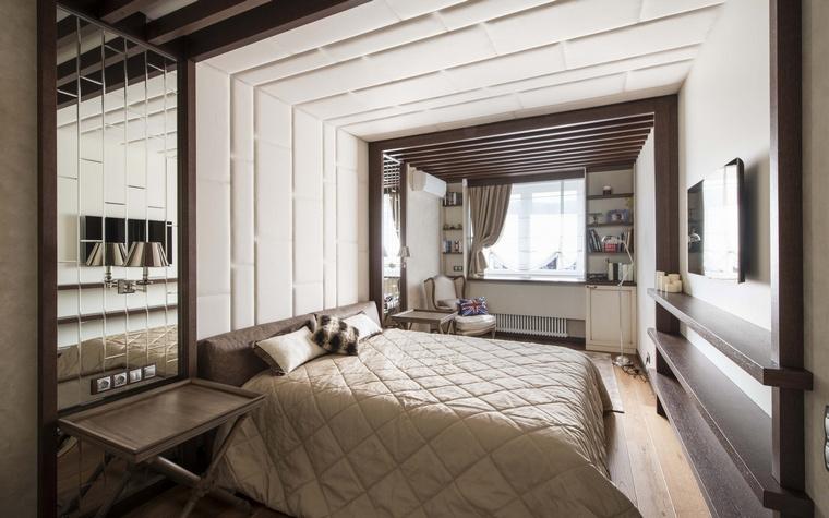 <p>Автор проекта: АвКубе.&nbsp;Фотограф: Алексей Камачкин</p> <p>Стены и потолок этой спальни одинаково декорированы. Кожа не только мягка и&nbsp; тактильна, но и хороший звукоизолятор, что важно для спальни.</p>