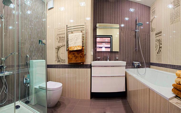 <p>Автор проекта: АвКубе</p> <p>Не слишком большую ванную комнату хорошо разделить на зоны. </p>