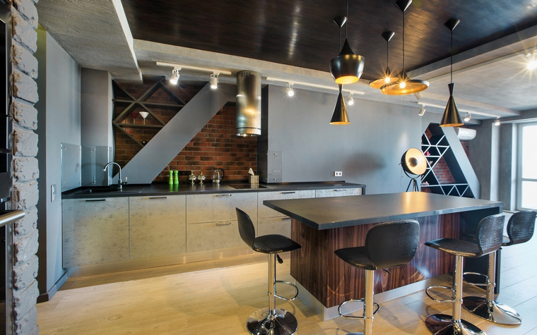 <p>Автор проекта: Старикова Ольга</p> <p>Не забывайте, что одно из достоинств кухни в стиле лофт - это ее размер, как правило, большой.</p>
