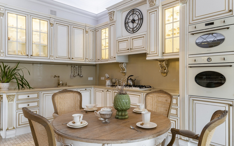 Кухня-гостиная в итальянском стиле