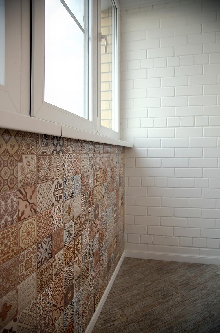 <p>Автор проекта: Кристина Калинина</p> <p>Разнообразные мозаики и плитка - один из вариантов декора вашего маленького балкона.</p>