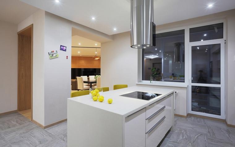 Фото № 67342 кухня  Квартира