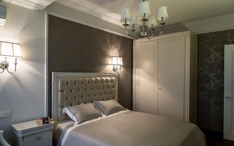 <p>Автор проекта: Ирина Гусарова</p> <p>Современный интерьер спальни предполагает, как уже было отмечено выше, хорошую звукоизоляцию В данном проекте это предусмотрено.</p>
