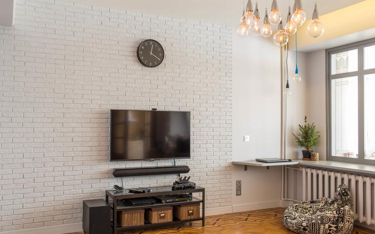 Квартира. гостиная из проекта Цветные отголоски в современной классике, фото №74248