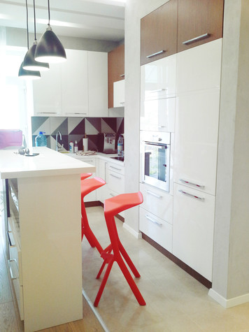 Фото и варианты интерьеров белых кухонь