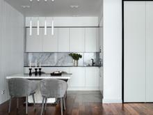 Квартира «Квартира с панорамным видом на набережную Исети», кухня . Фото № 32049