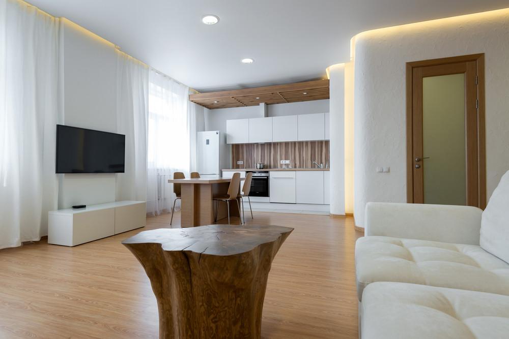 Квартира «WHITE&WOOD», гостиная, фото из проекта