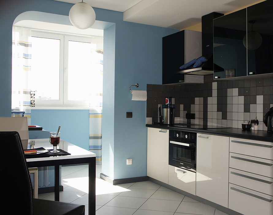 Фото кухонь соединенных с балконом после ремонта.