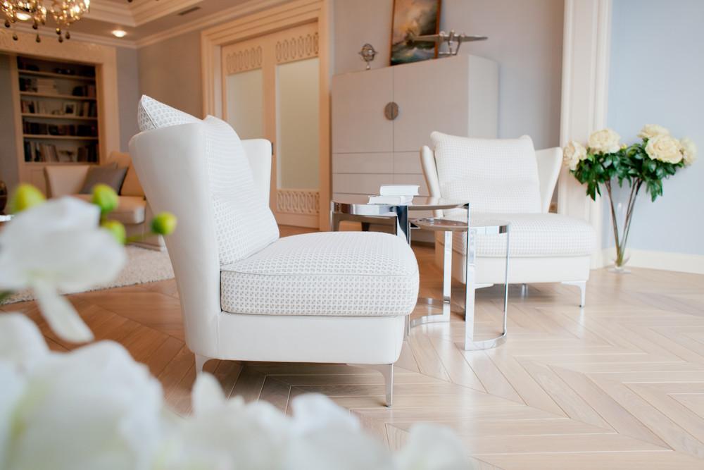 Квартира «Квартира с видом на набережную», гостиная, фото из проекта